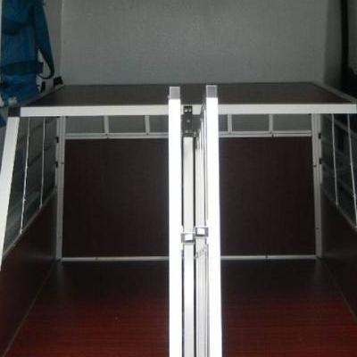Wnętrze pojazdu transportowego